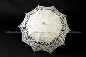 Дантелен чадър