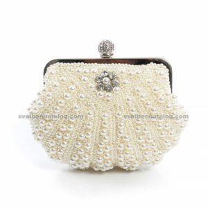 Сватбена чанта с перли