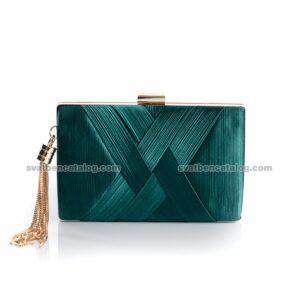 зелена чанта