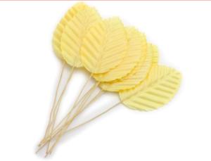 Жълти листенца
