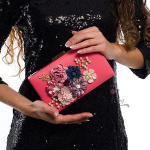 розова чанта с цветя