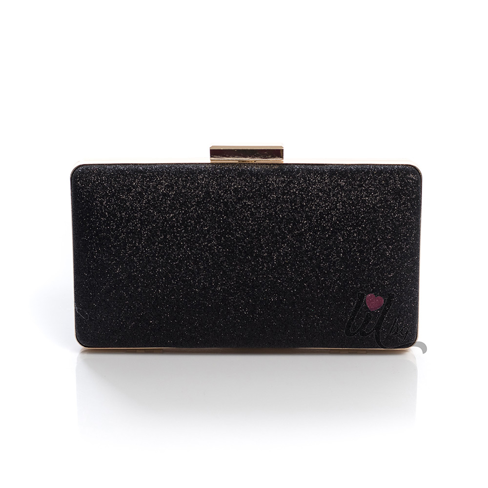 Черна чантичка