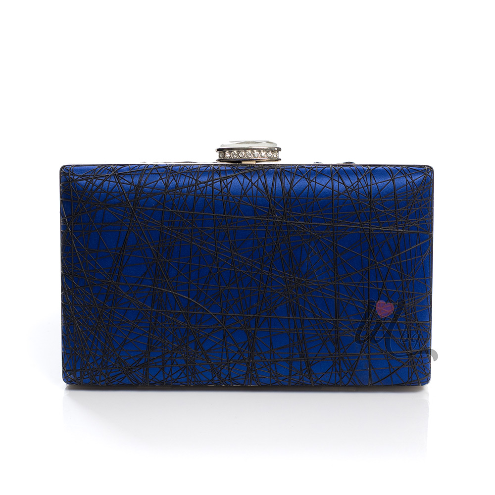 Синя чантичка клъч с черти