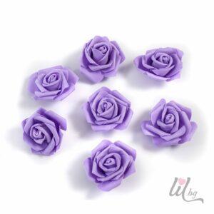 Големи лилави рози