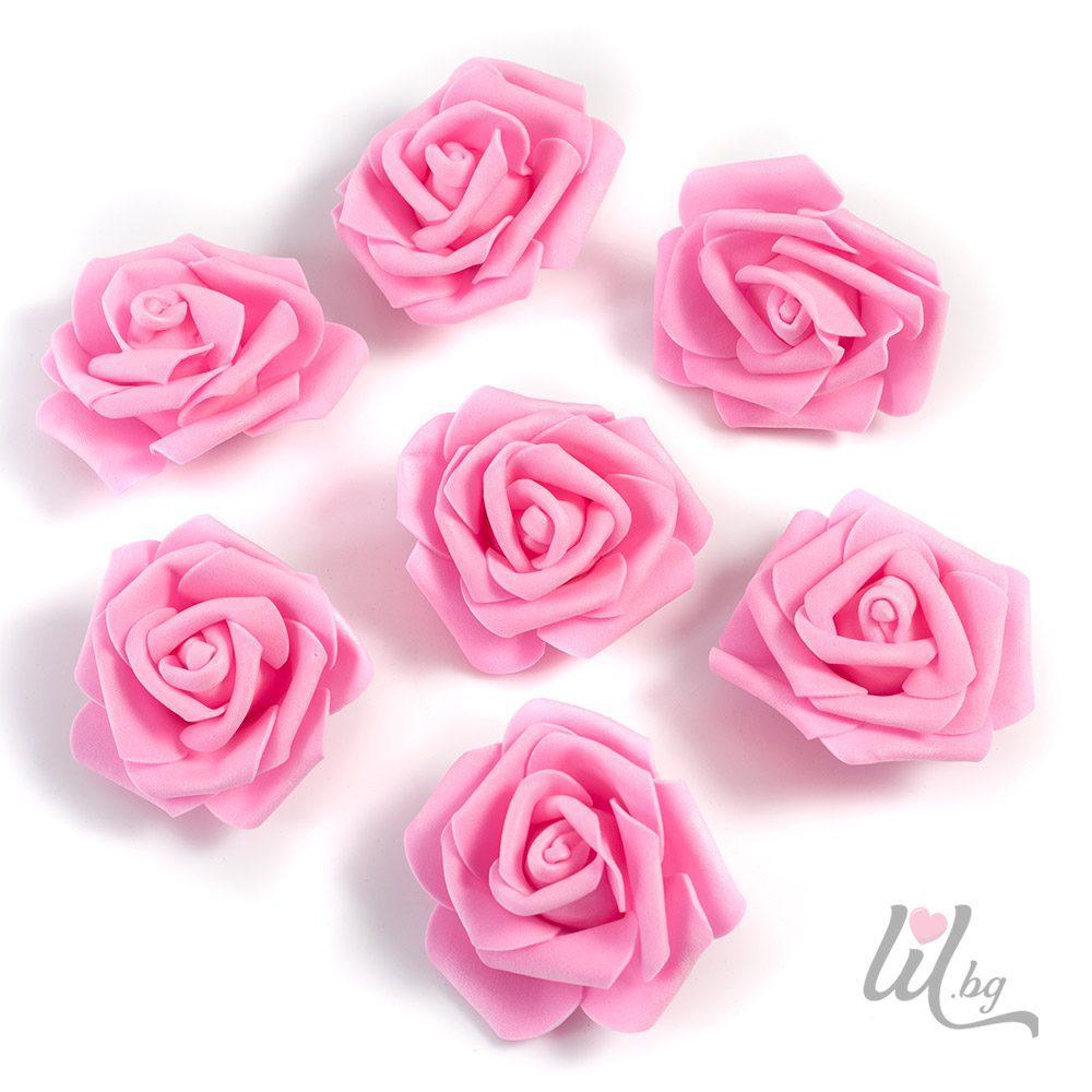 Големи розови рози