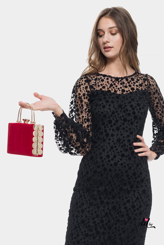 Червена велурена чанта